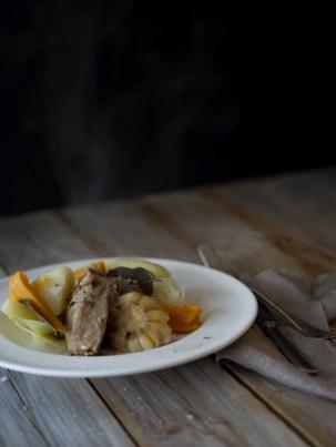 Fårikål med hvitløk og søtpotet